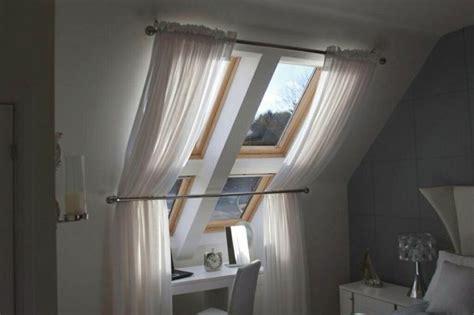 Gardinen Für Dachfenster by Dachfenster Sonnenschutz In Form Vorh 228 Ngen Plissees