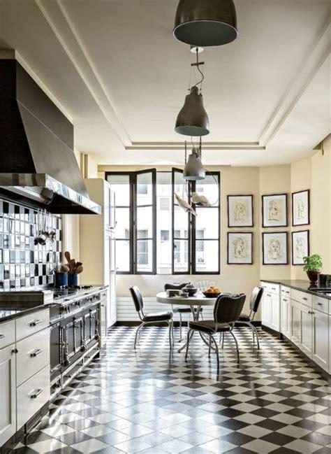 carrelage cuisine noir et blanc le carrelage damier noir et blanc en 78 photos archzine fr