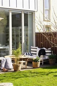Le Coin De Table Tours : petit jardin avec coin de repos comment am nager un jardinet ~ Melissatoandfro.com Idées de Décoration