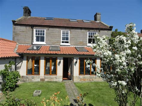 Cottages In Whitby With Parking by Whitby Cottages Accommodation In Large