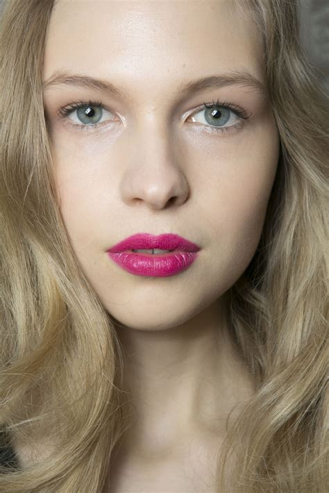 Matte Pink Lipstick: Choosing the Best Shade for You ...