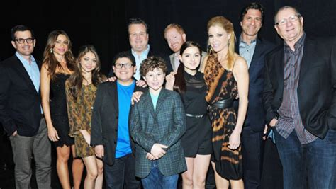 why the modern family cast should get paid right now