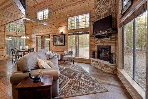 August Creek Cabin in Broken Bow, OK   Sleeps 2    Hidden