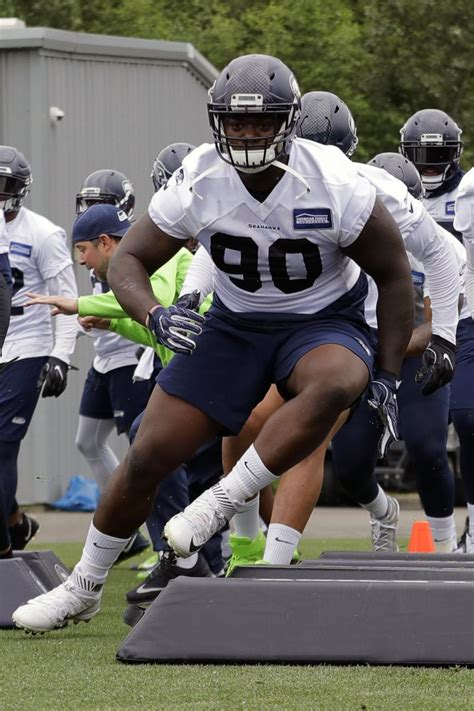NFL suspends Seahawks DL Reed for 6 games