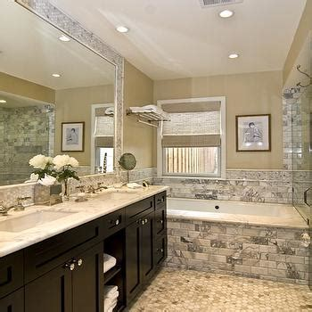 Bathroom Decor With Gray Walls