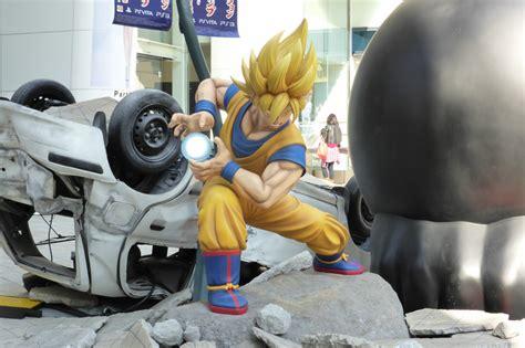 life size luffy  goku statues fight    shibuya
