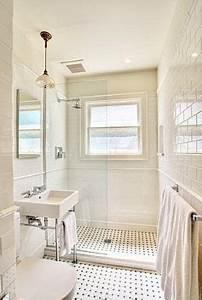 Salle De Bain Etroite : petite salle de bain 44 photos id es inspirations ~ Melissatoandfro.com Idées de Décoration