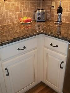 Antique White cabinet, black / oil rubbed bronze hardware ...