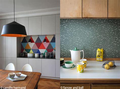 tapisserie de cuisine le papier peint dans une cuisine ça change tout