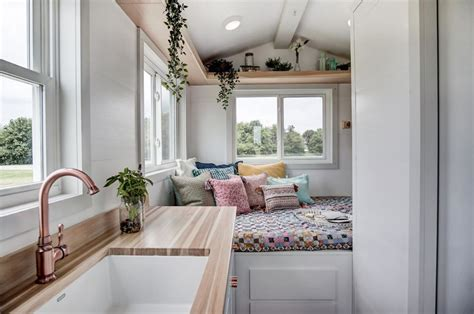 impressive tiny houses   order   curbed