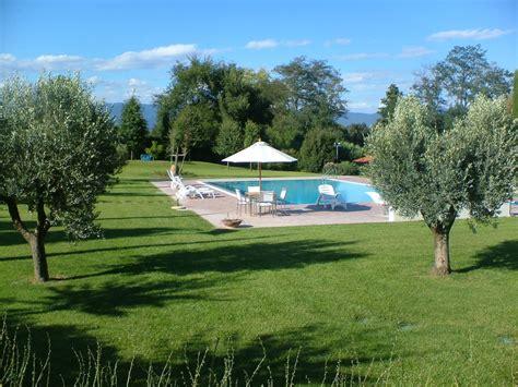 giardino con piscina foto progettazione e realizzazione giardini di lusso frullani
