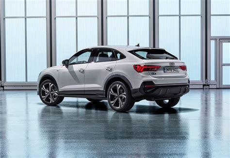 Side profile of the audi q3 parked with a scenic background. Nog een SUV van Audi: dit is de Audi Q3 Sportback