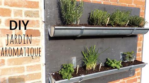 palette cuisine diy jardin aromatique en gouttières