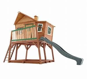 cabane d39enfant en bois max maisonnette en bois sur hauts With maisonnette en bois avec bac a sable