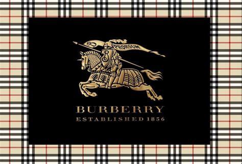 Découvrir Ou Redécouvrir Burberry