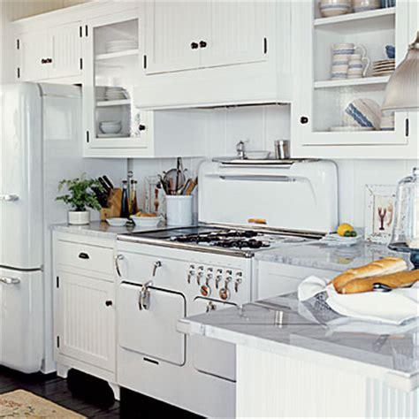 kitchen vintage appliances   White   Traditional   Kitchen