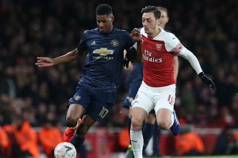 Arsenal midfielder Mesut Ozil sends message of support to ...