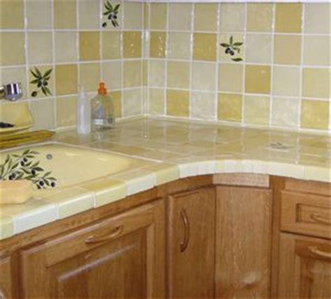 carrelage cr馘ence cuisine décoration de la maison carrelage jaune pour cuisine