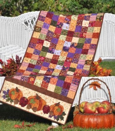 shabby fabrics table runner bountiful harvest table runner quilt pattern by shabby fabrics