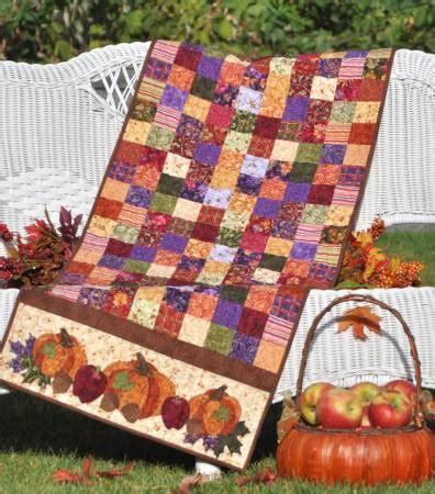 shabby fabrics pumpkin table runner bountiful harvest table runner quilt pattern by shabby fabrics