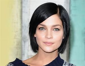Coiffeuse Noir Et Blanche : coupe de cheveux noir et bleu ~ Teatrodelosmanantiales.com Idées de Décoration