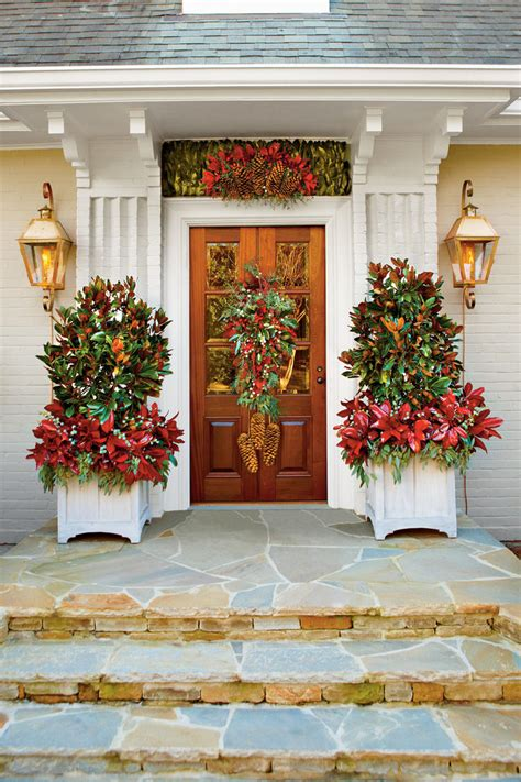 old time christmas decorating 100 fresh christmas decorating ideas southern living