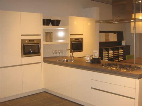 design keuken greeploos showroomkeukenstunt