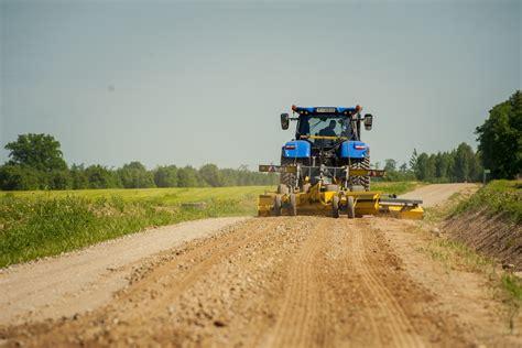 LAU aptauja: autoceļu kvalitāti vasarā kā apmierinošu ...