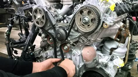 timing chain  timing belt    difference