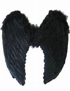 Black Swan Kostüm Selber Machen : die besten 25 halloween schminken schwarzer engel ideen auf pinterest halloween schminken ~ Frokenaadalensverden.com Haus und Dekorationen