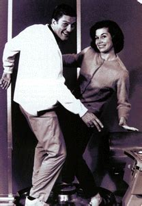MARY TYLER MOORE interview by Chet Cooper   Mary tyler ...