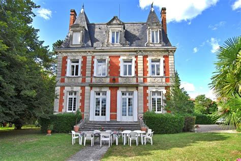 19 Magnificent French Houses, Including A Château For