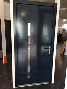 Porte dentree pvc alu grise apf menuiserie sa for Porte d entrée alu avec armoire salle de bain grise