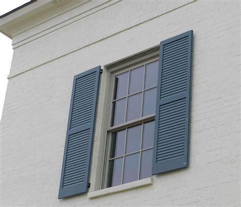shutter paint color is benjamin moore van courtland blue
