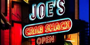 Joe's Crab Shack displays photo of a hanging - Business ...