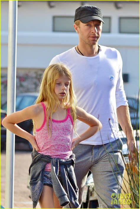 apple martin and chris martin full sized photo of chris martin father daughter day with