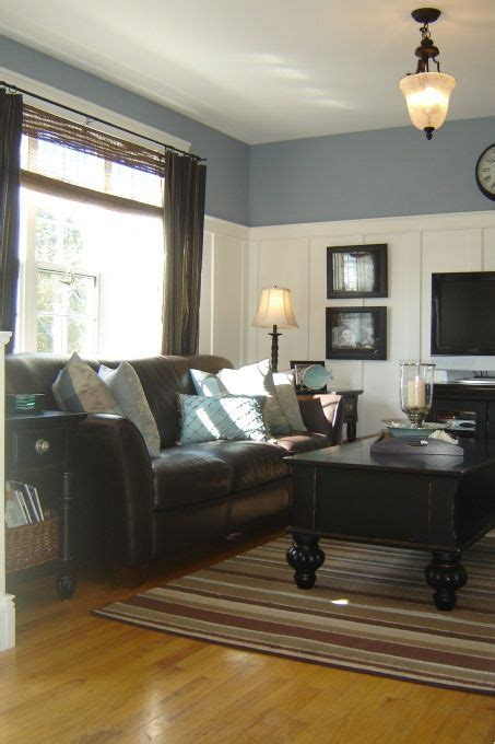 coastal living room ideas with brown couch www