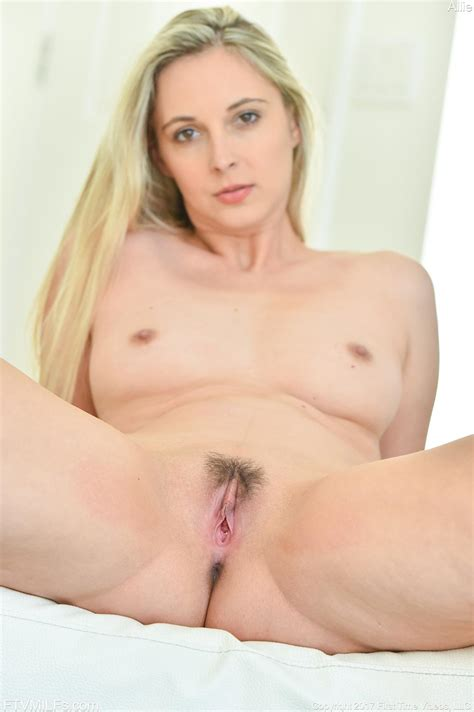 Blonde Girl Allie Eve Knox Gets Naked And Gives You Her