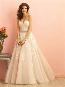 strapless sweetheart wedding dress lace floral strapless sweetheart traditional gown wedding dress of