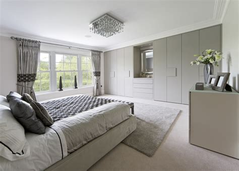 Bedroom Interior Design Ideas Uk by Fitted Wardrobes 70 Capital Bedrooms