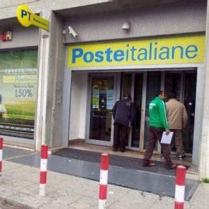Ufficio Postale Palermo by Palermo Rapina All Ufficio Postale Di Piazza Coreale