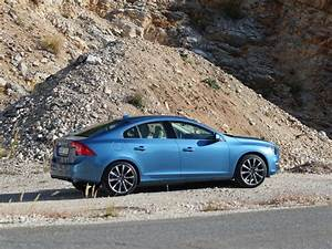 Volvo V60 Oversta Edition : volvo lance l 39 dition sp ciale versta sur les s60 et v60 ~ Gottalentnigeria.com Avis de Voitures