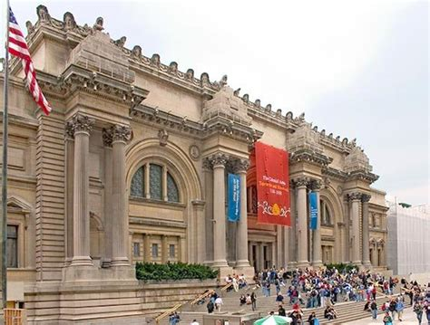 metropolitan museum of in central park