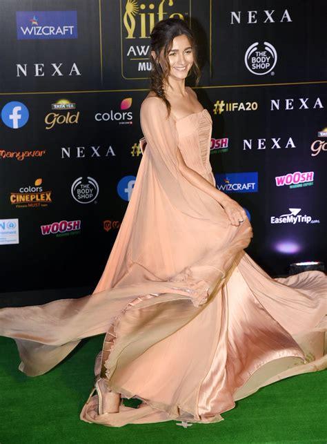 alia bhatt  peach coloured designer ruffled dress  georges chakra alia bhatt ladyindia