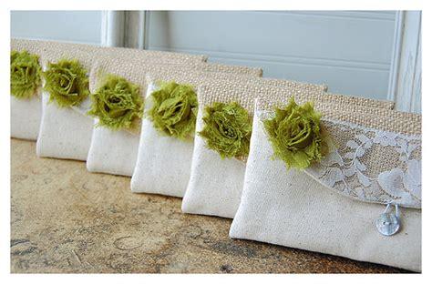 shabby chic wedding gift ideas personalized bridesmaid gift idea burlap lace wedding bridesmaid clutch purse wedding clutch