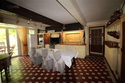 hotel ou chambre d hote vente chartreuse xiiie siècle proche bordeaux montussan
