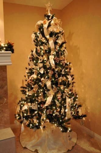 decorate  white christmas tree