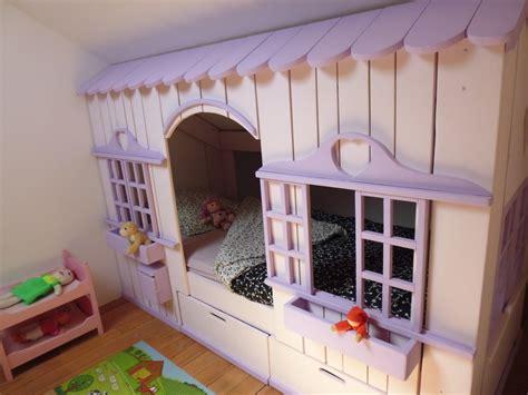 cabane dans une chambre lit cabane mini house pour fille et garçon abramacabane
