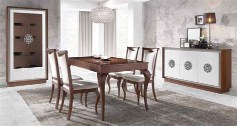 mobiliario de salon comedor estilo clasico madera haya