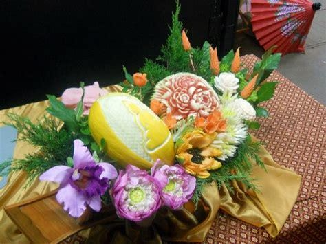 bouquet de fleurs originalaux fruits